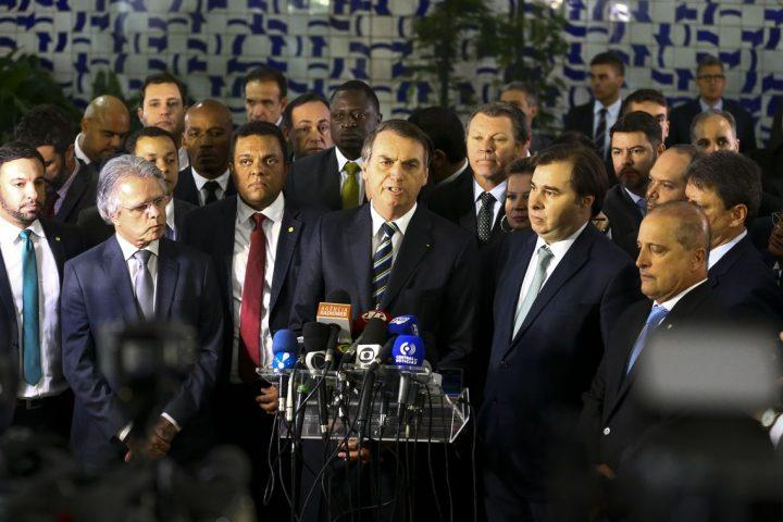 """Quanto menos leis, o povo está mais consciente dos seus deveres"""", destacou Bolsonaro – Foto: Marcelo Camargo/Agência Brasil"""